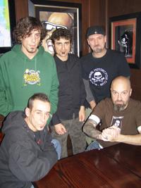 La banda en la presentación del disco