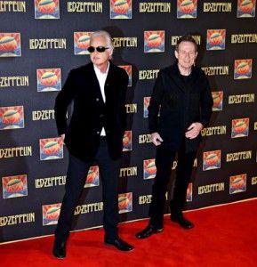 """Hey John, ¿has visto a Robert?"" Jimmy Page y John Paul Jones esperando la llegada de Robert Plant"