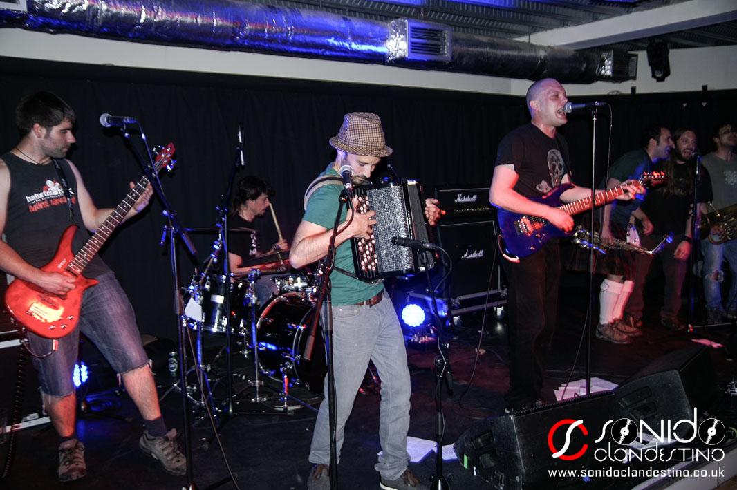 La banda de rock ska The Matatunes
