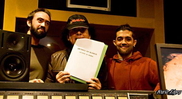 Marcos Molina y Alberto Curtido con Mariskal Romero en Oasis