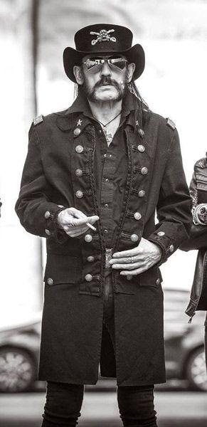 Lemmy, líder de Motörhead, sufre problemas de salud