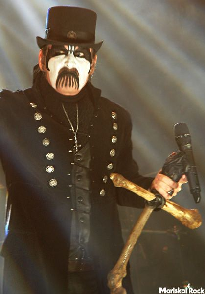 El frontman de King Diamond en el Sweden Rock Festival 2016