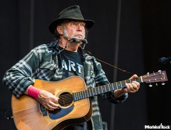 Neil Young durante su concierto en el Mad Cool Festival 2016