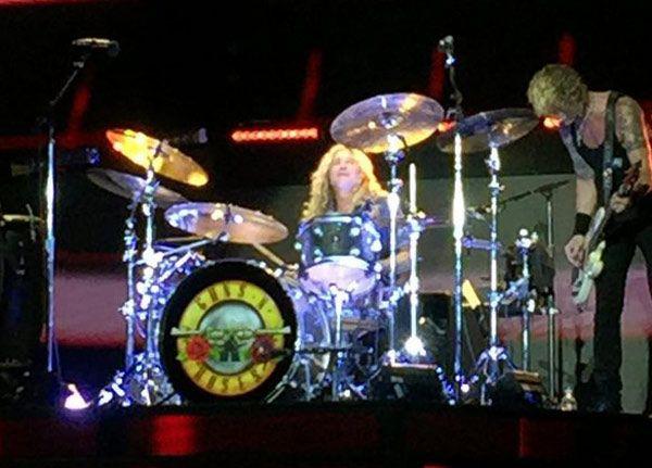 Steven Adler vuelve a tocar con Guns N' Roses en el Brown Stadium de Cinninnati Ohio