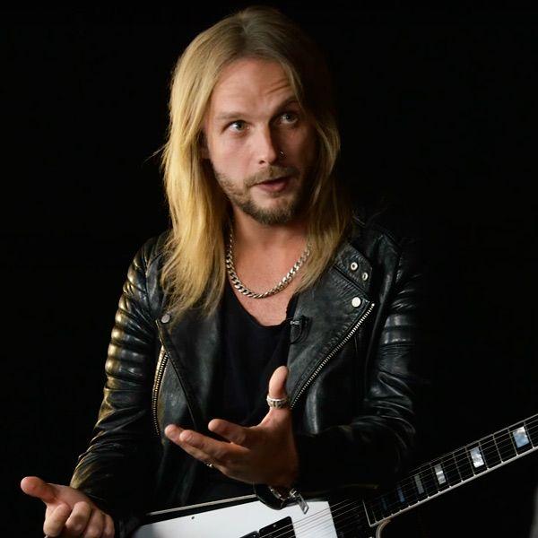 Richie Faulkner de Judas Priest en 2016