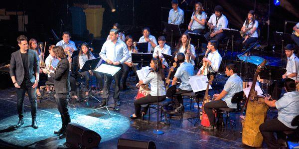 galvez-carrasco-y-orquesta-reciclada-cateura