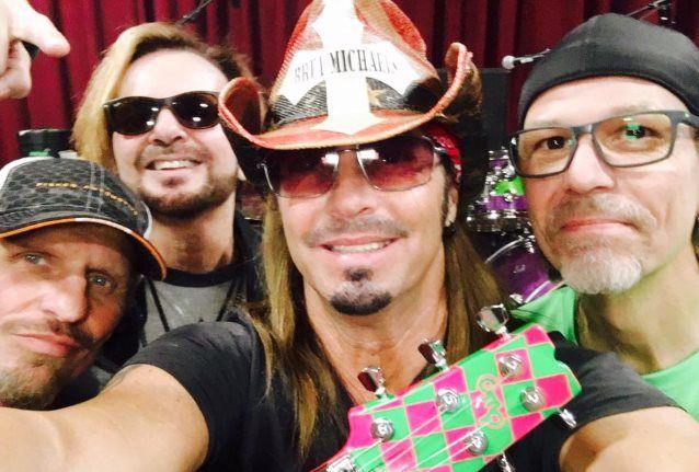 selfie brett Michaels poison