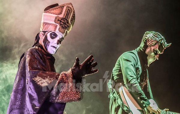 Ghost-Papa-Emeritus-Nameless-Ghoul-directo-Madrid-2017