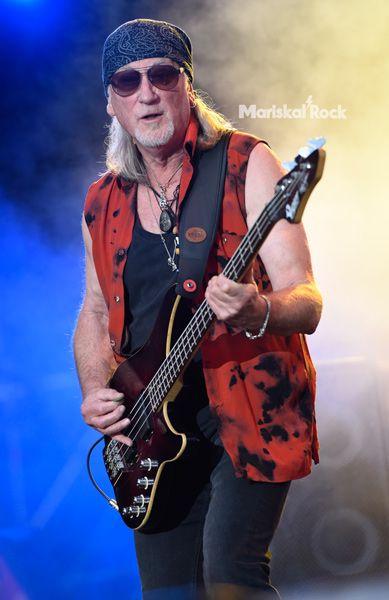 Glover-Deep-Purple-Barcelona-17