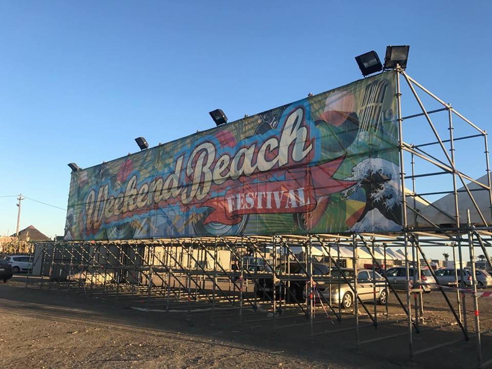 weekend beach festival lona