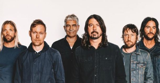 Foo Fighters 2017 Concrete and Gold