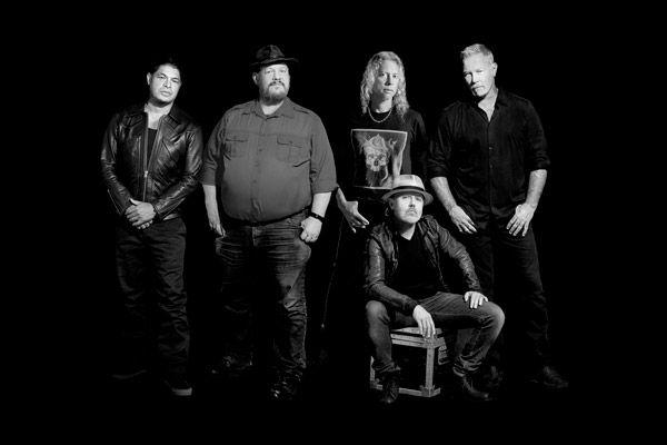 Metallica lanza su propio whisky, tratado con ondas de sonido
